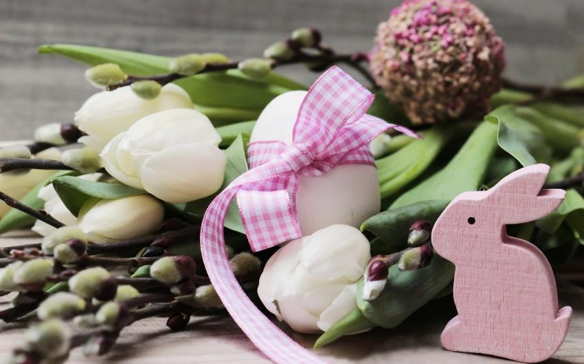 wielkanocny bukiet z kwiatów